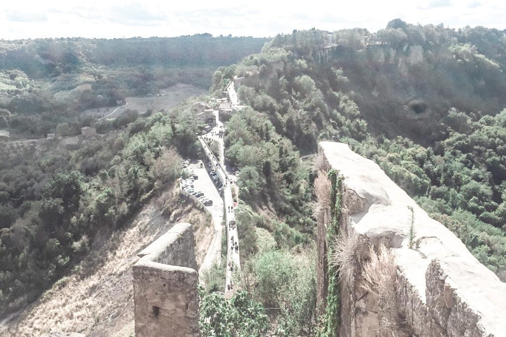 Civita di Bagnoreggio e il suo ponte lungo 200 mt