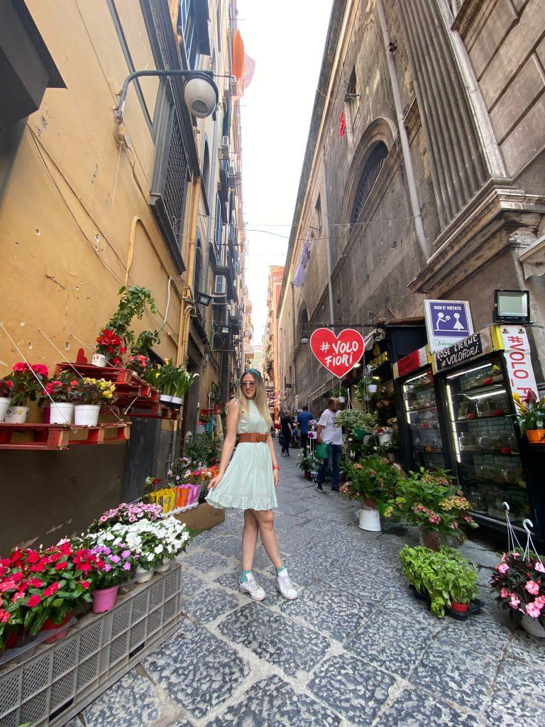 Il Vicolo dell'Amore nei Quartieri Spagnoli